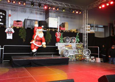 Frikadelli Racing Team Weihnachtsmarkt in Fahrzeughalle 2